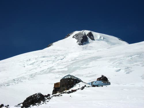 Diesel Hut and West summit