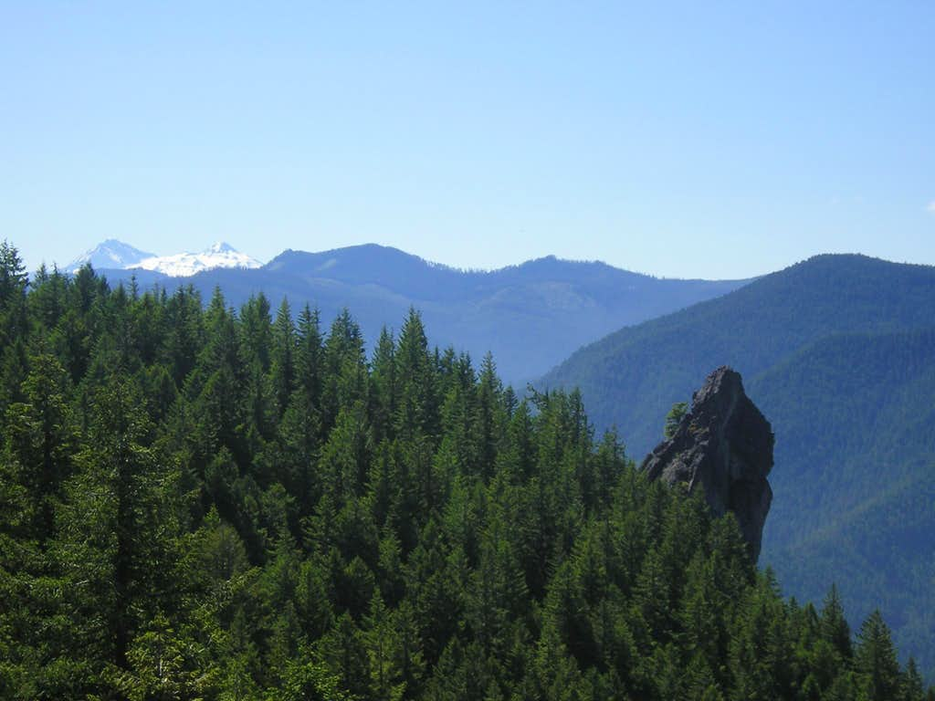 Rooster Rock with the Cascades in the background