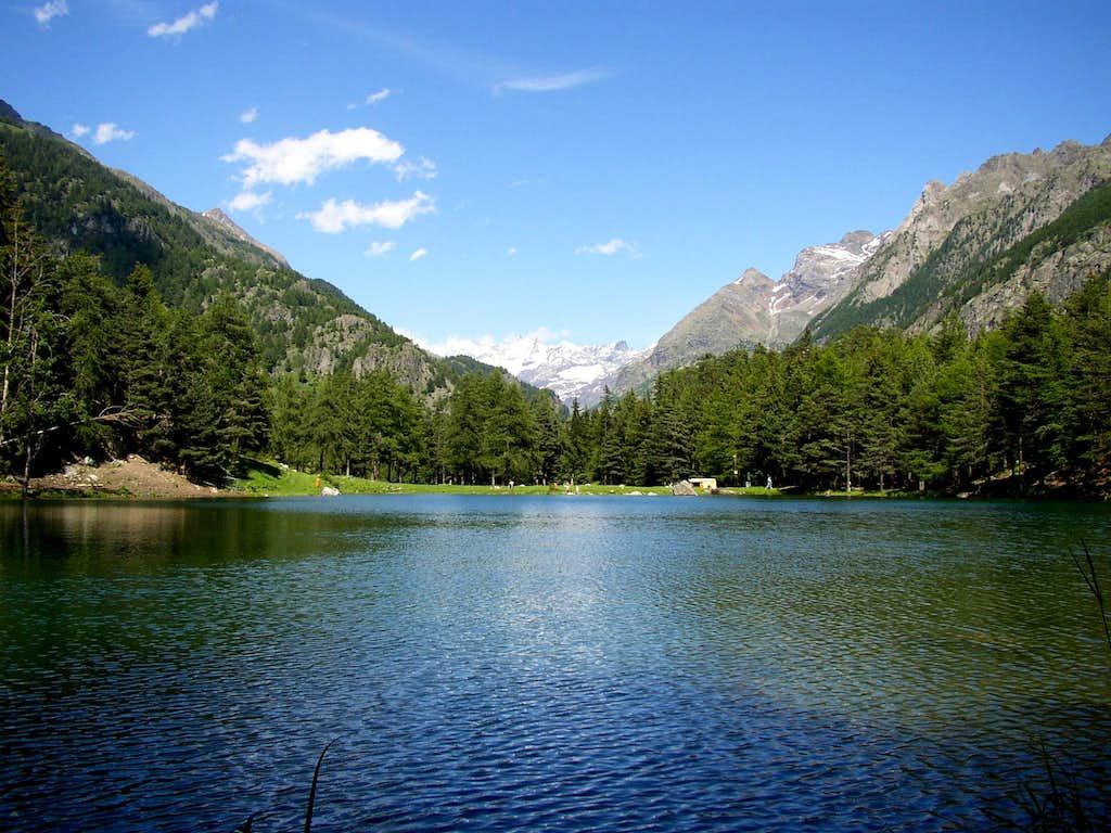Lexert lake and Grandes Murailles