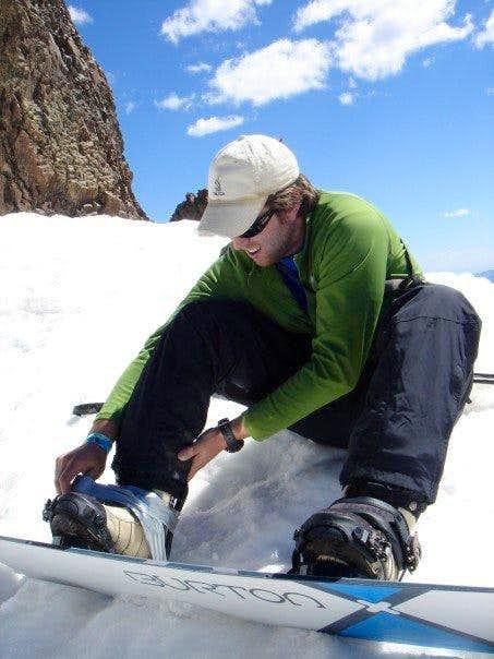 Duct tape snowboard binding