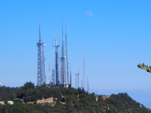 Mt Wilson and Moon from Occidental Peak