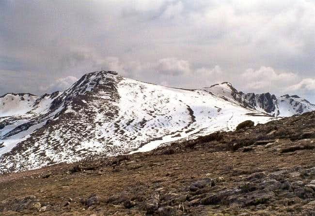 Pico del Lobo and Las Mesas