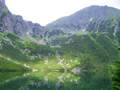 Lake Morskie oko (1395 m) and Miedziane (2233 m)