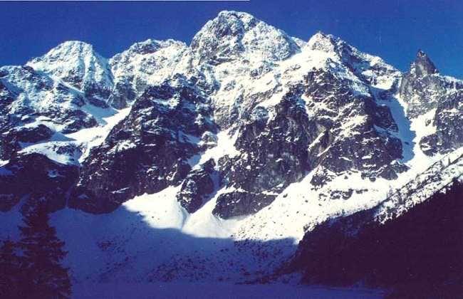 Peaks surrounding Morskie Oko...