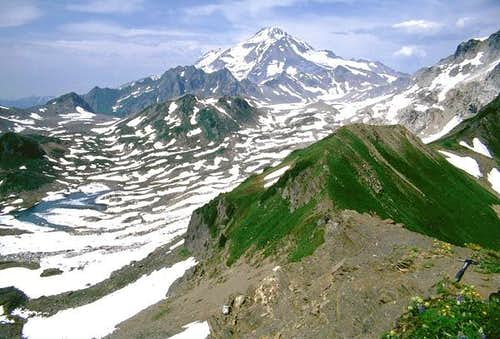 Glacier Peak from the south.