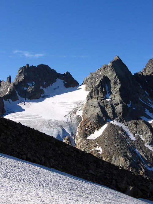 Snow slope on the morain of Scerscen glacier