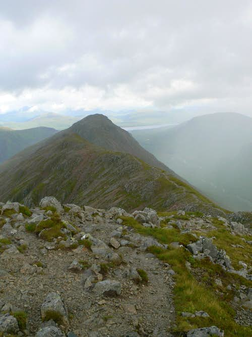 Looking along the ridge from Stob Dubh