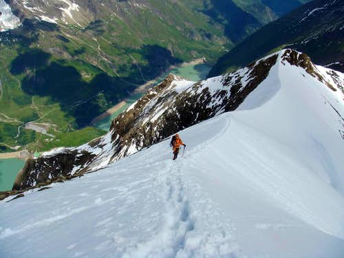 Descending Kaindl ridge