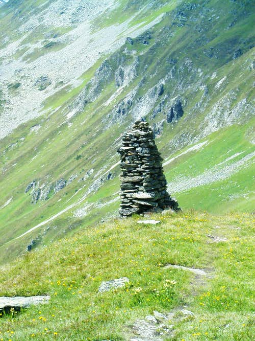 A cairn on the way to Fädnerspitze