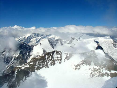 Summit view from Grosses Wiesbachhorn to the SW