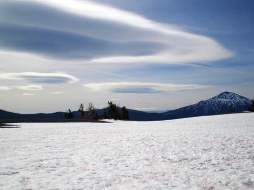 Lenticular clouds around Mt Bachelor