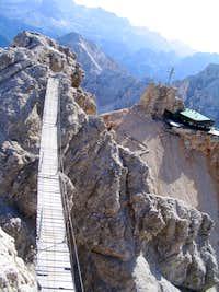 An ordinary bridge