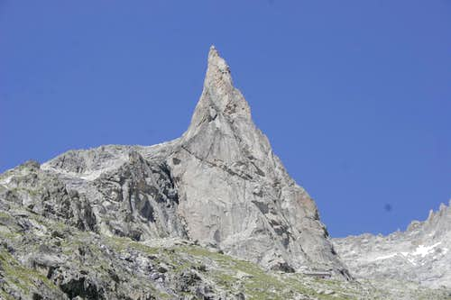 Aiguille Dibona from the trail