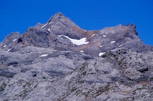 Pico Tesorero and Urrieles from the SE