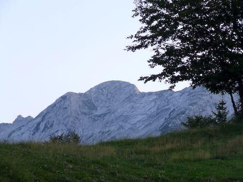 Vrh nad Skrbino, 2054m, ...