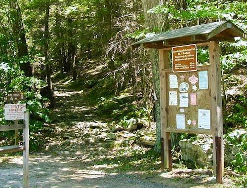 Trailhead at parking lot