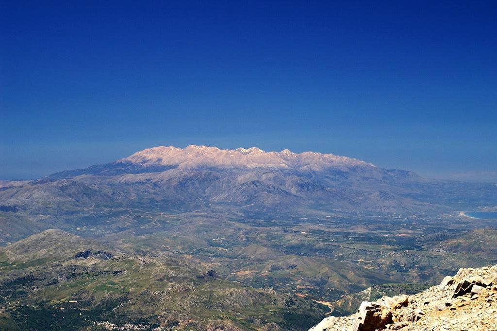 The Levka Ori Range