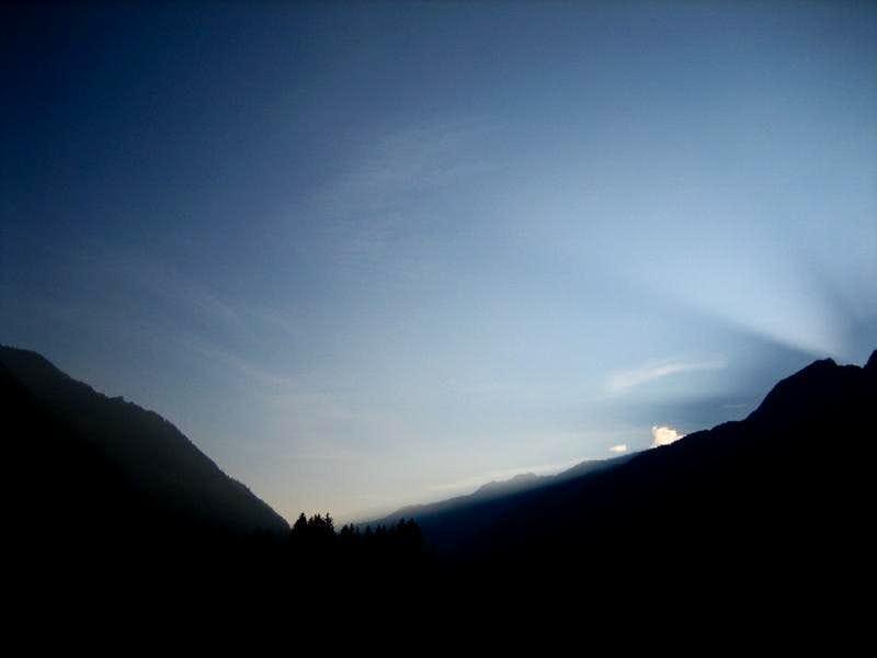 dusk till down.....  behind the les Drus.
