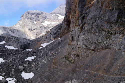 Pico Tesorero from the SE