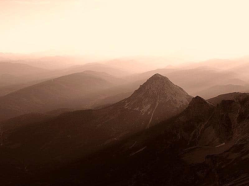 Rötelstein (2247m)