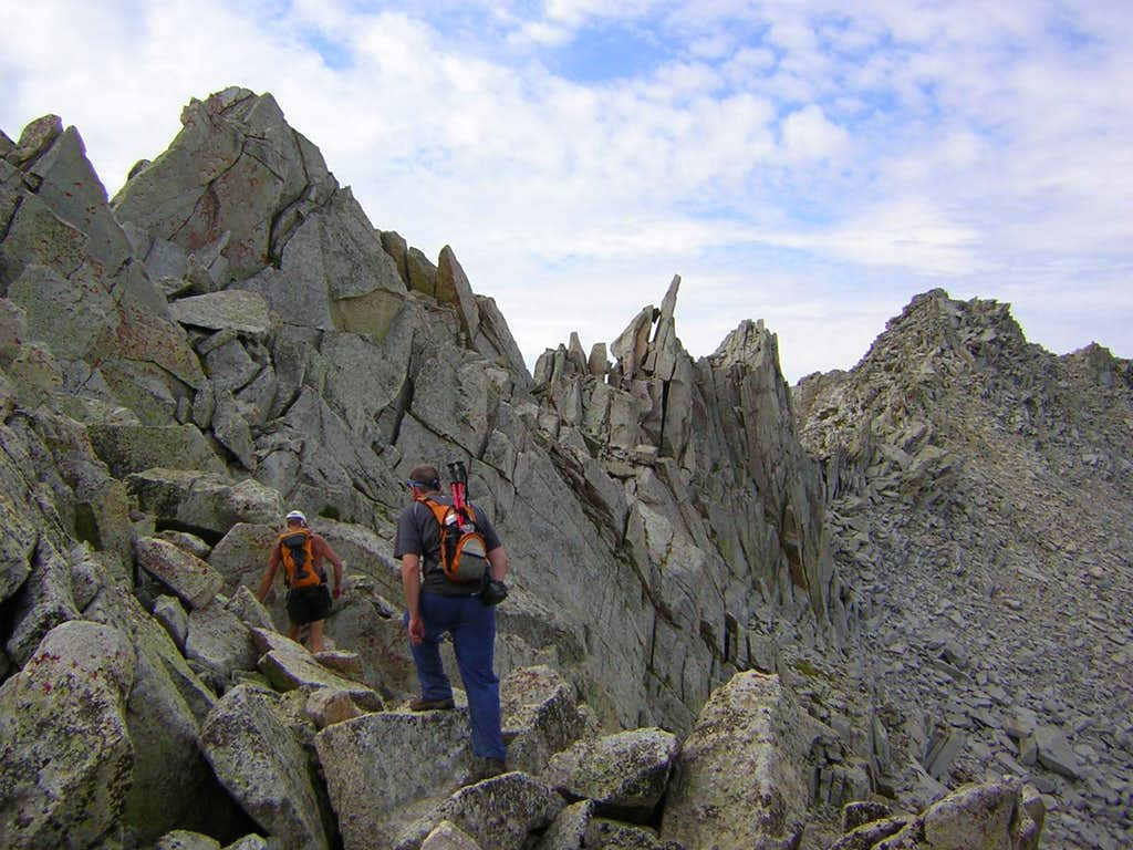 Scrambling south on Thunderbolt Ridge