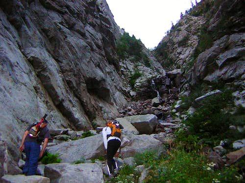 Hiking in Lower Coalpit Gulch