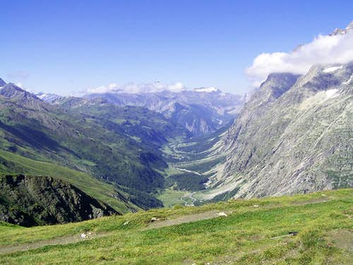 A view from near the Gran Ferret pass
