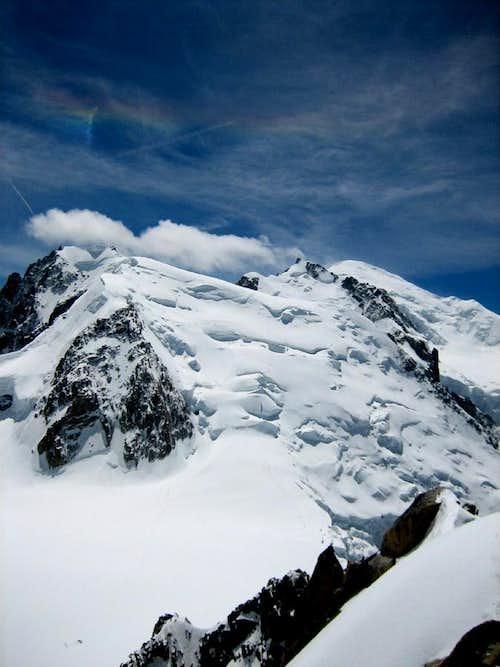 Mont Blanc du Tacul(4248m) under the rainbow