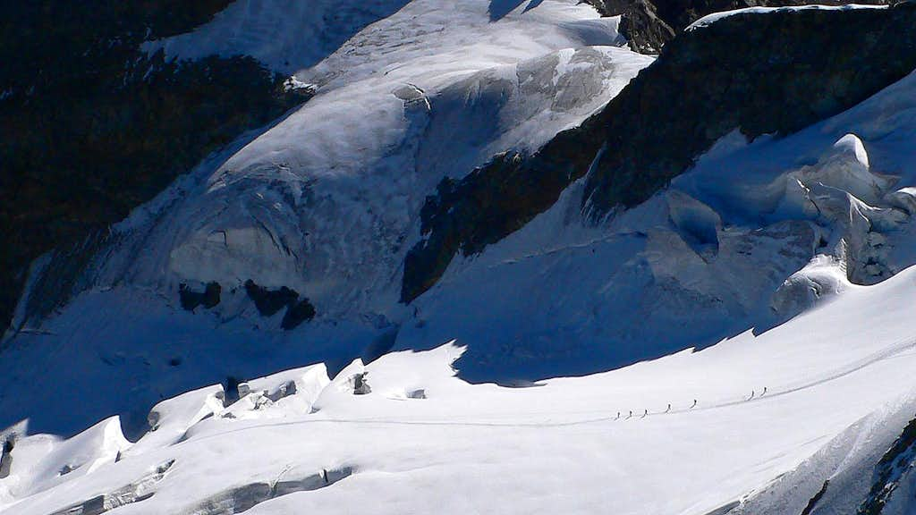 Tiny men and womenfolk on the Pers Glacier