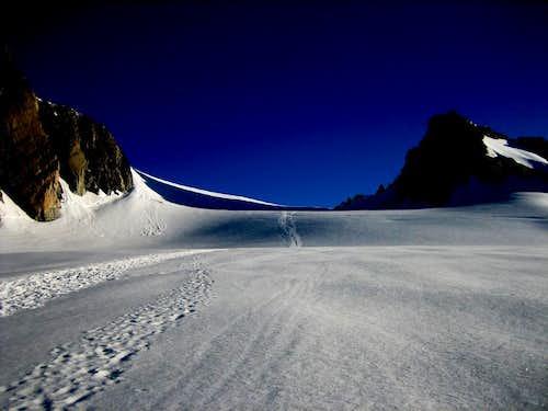between the Gros Rognon & Pnte Lachenal(3613m)