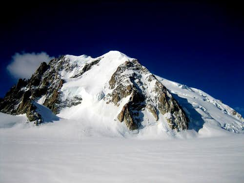 Epaule du Mt Blanc du Tacul with the Pnte Lachenal(3613mm)