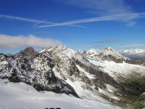 View to the mountains on west side of Roetspitze / Pizzo Rosso, 3495m.