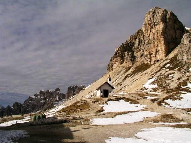 A little church near Drei...