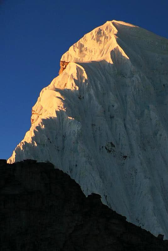 Alpenglow on Chacraraju