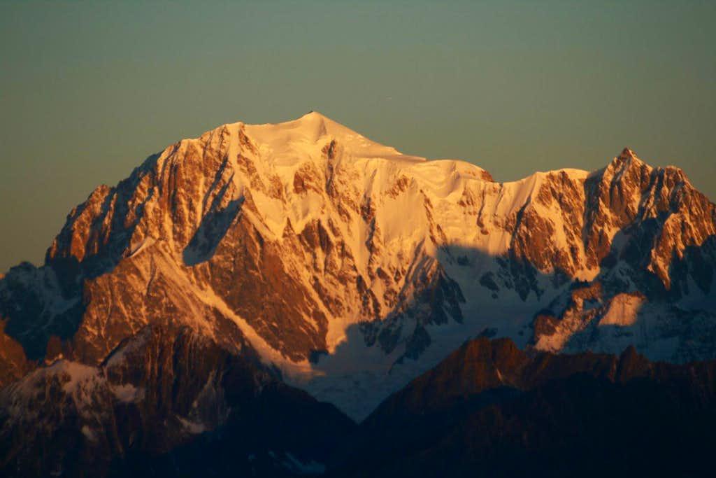 Dawn from Becca di Viou