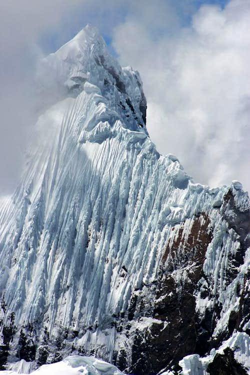 Scary Ice Flutings on Pucajirca