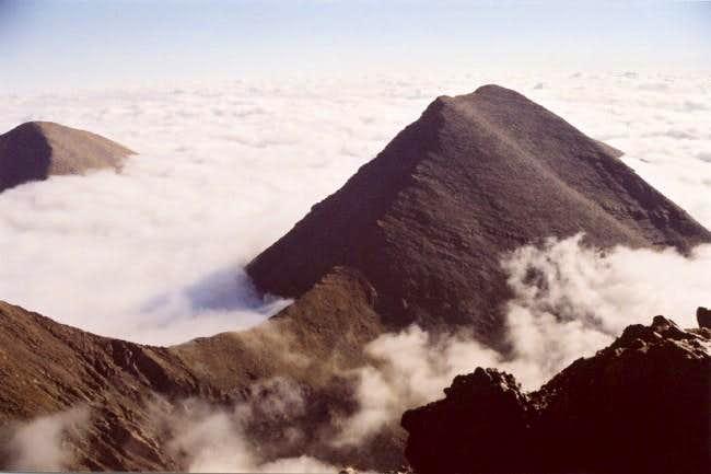 Humboldt Peak rises
