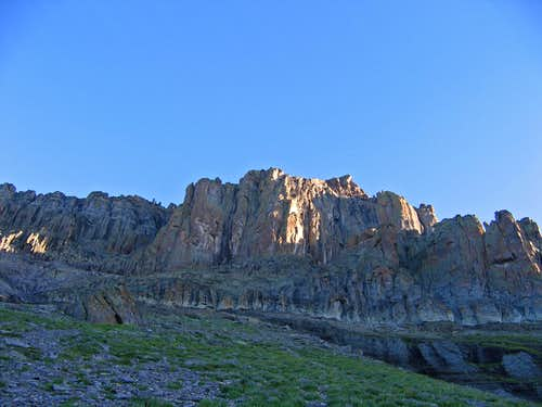 Lower cliffs on Dallas Peak
