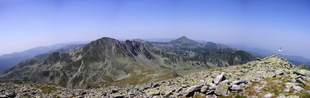 West view from Păpuşa peak
