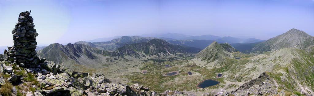 Northwest view from Păpuşa peak