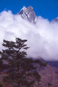 View from near to Tengboche...