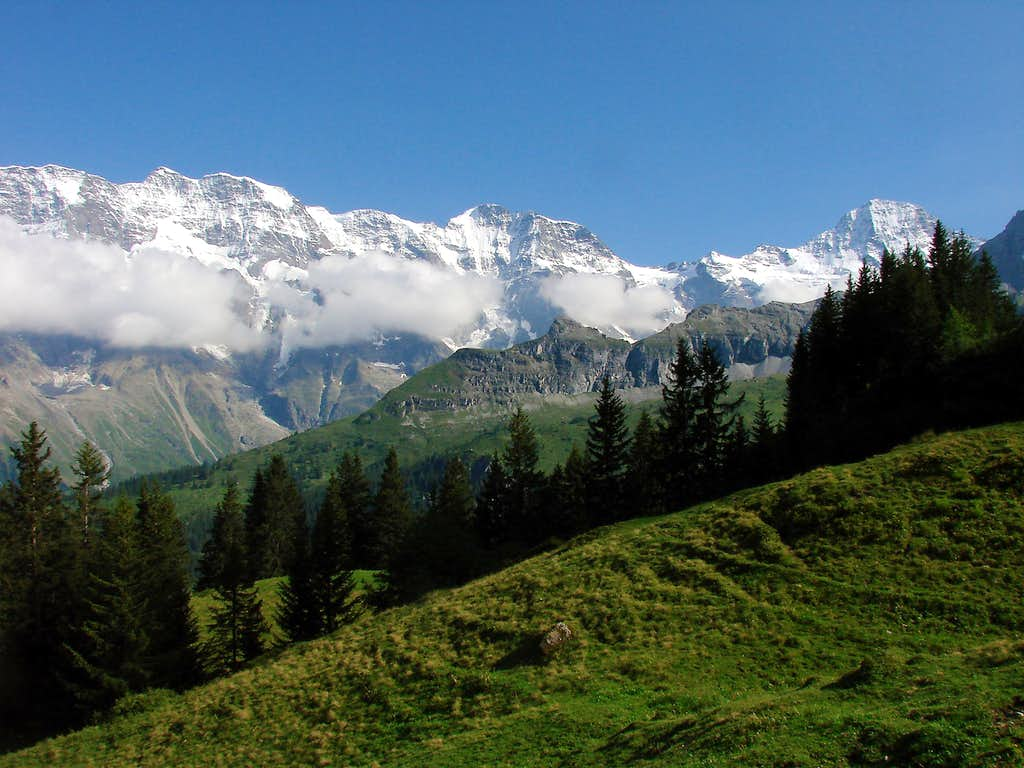 The chain of mountains SW of Jungfrau
