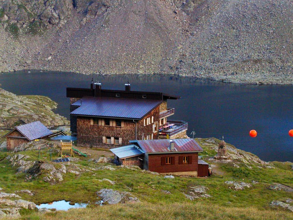The Wangenitzsee hut, 2508m.