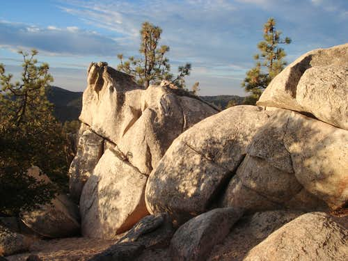Boulders near Mount Hillyer