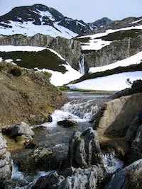 Cascade and streams near Faro peak