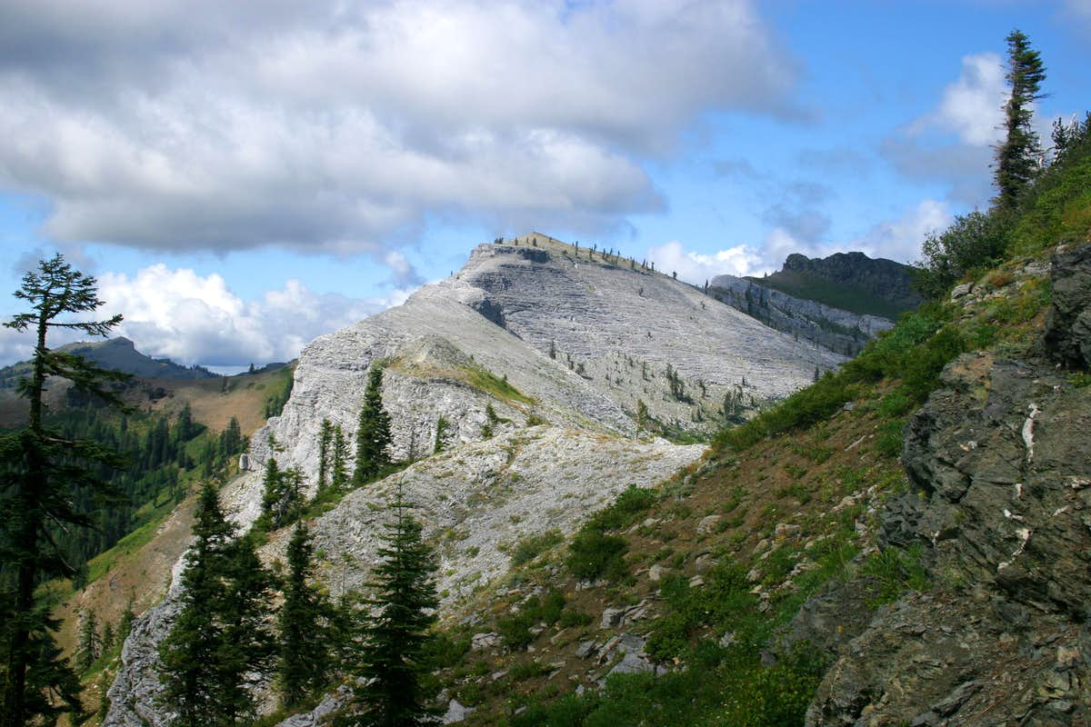 Canyon Creek Trail Marble Mountains Climbing Hiking