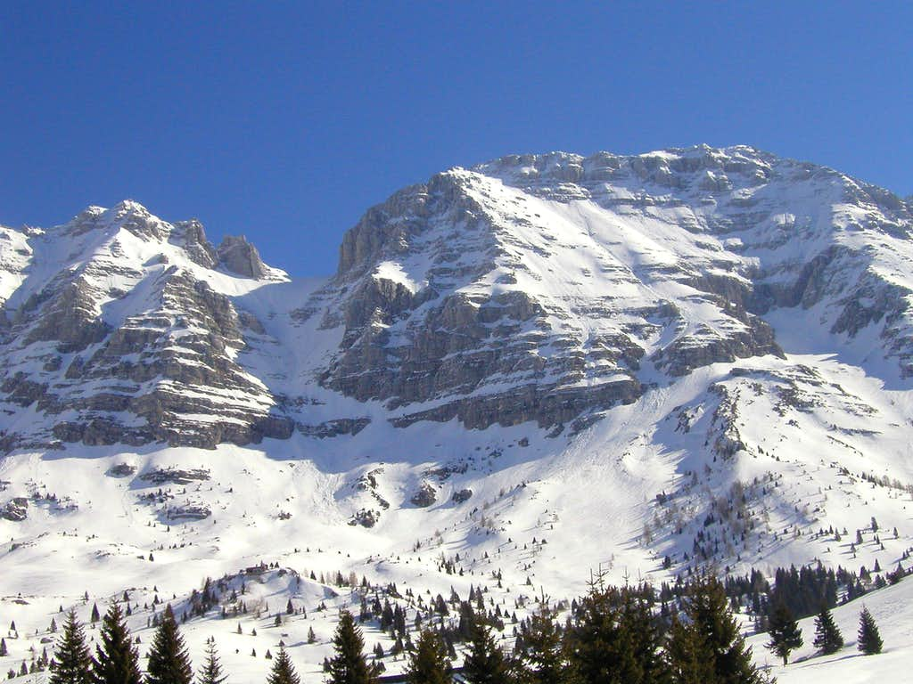 Spik nad Nosom / Foronon del Buinz, 2531m on the right.