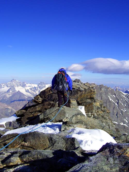 Strahlhorn summit traverse