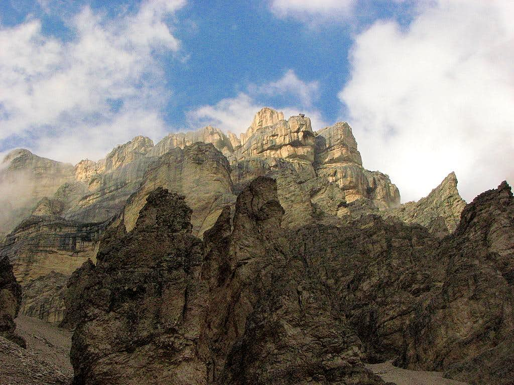 Southern walls of Tofana di Mezzo