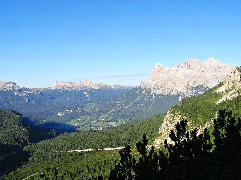Tofane seen from the path to Passo del Cristallo